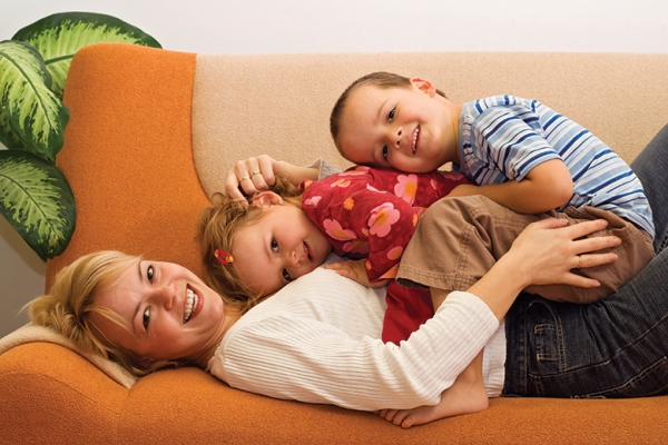 mom-and-kids-on-couch
